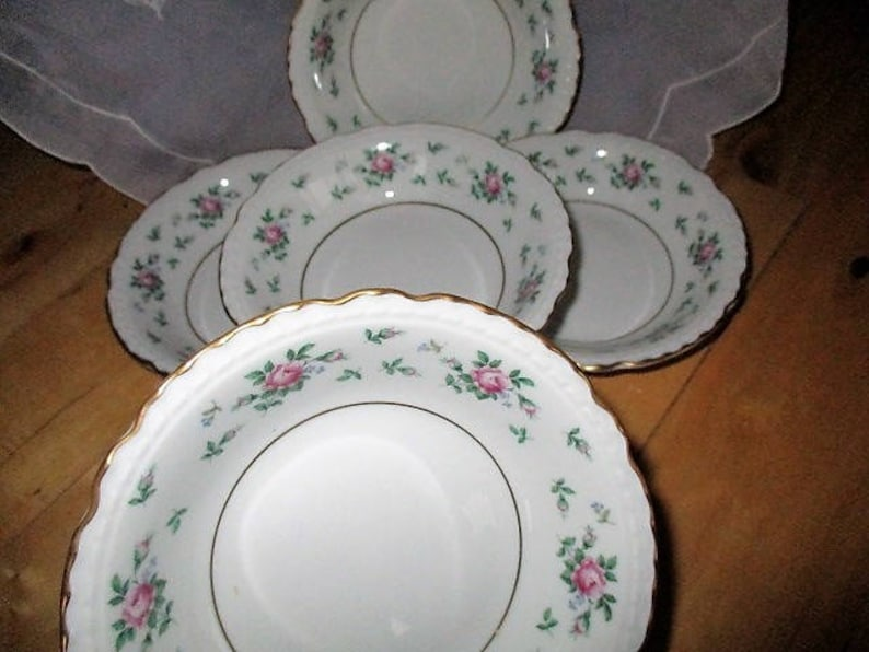 Princess China Sweet Briar Fruit berry bowls  Replacement 5 included   pink roses gilded scalloped edges RARE 1955 Like New  China Galore