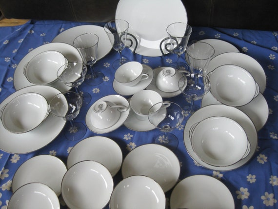 1950s Noritake Wedding Colony China Service for 4 with matching stems Near  Mint