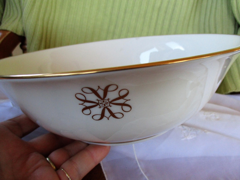 1980 Lenox President/'s Club for Avon/'s Very Best Round  Vegetable Bowl Near Mint  9.5 inch Lenox Commemorative bowl China Galore