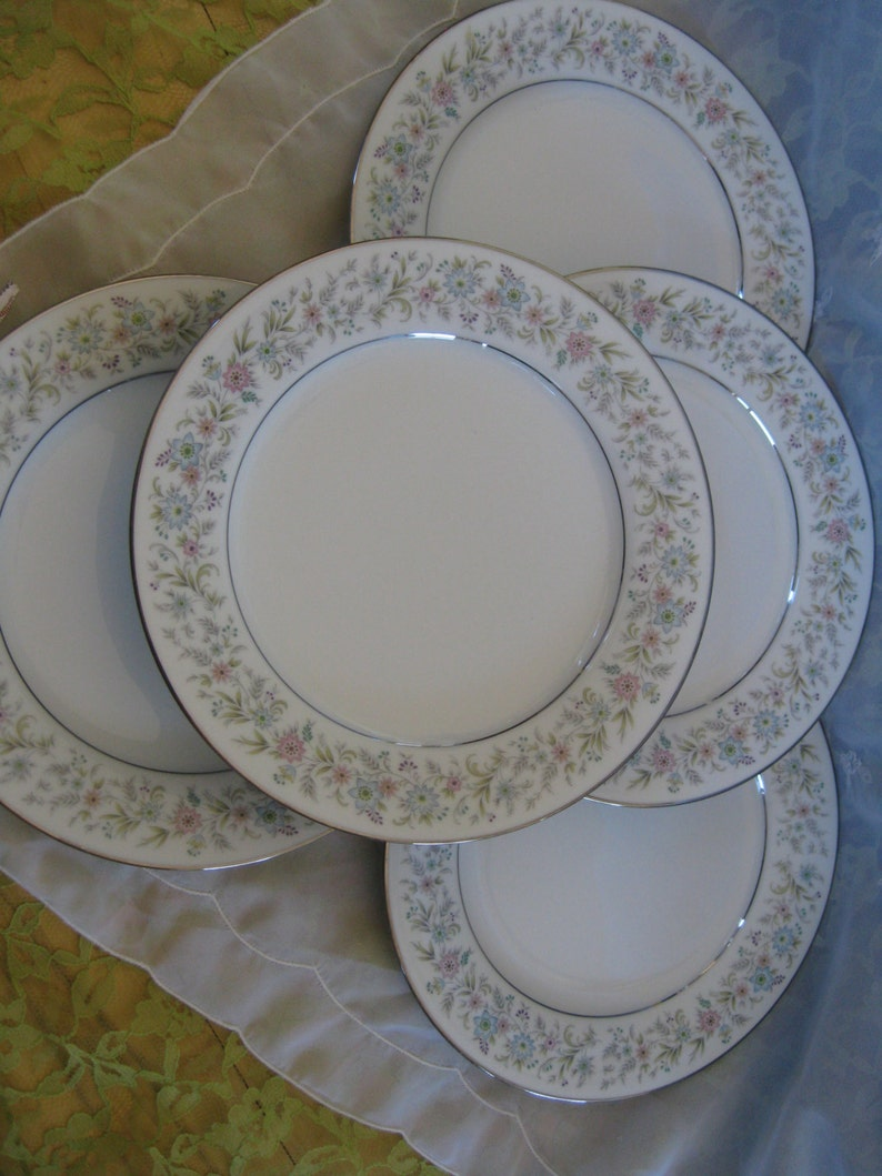 Noritake Blythe Bread Dessert  Plates Set of 5 Good to very good
