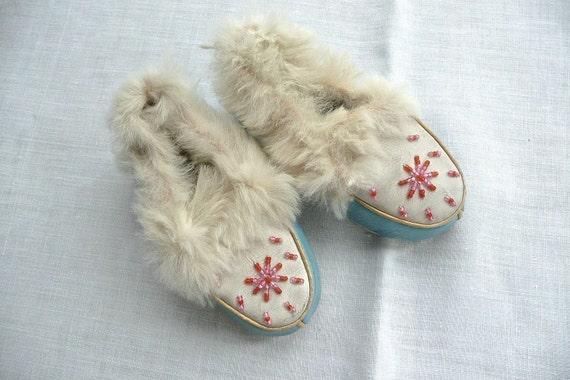 Vintage Hausschuhe Kinder Mokassins Native Indian blau Leder Hausschuhe Perlen Dekoration Kleinkinder Hausschuhe Kaninchen Pelz Hausschuhe