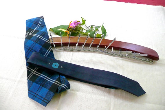 0fb8127befda Cravate Vintage cintre cravate porte collier affichage   Etsy