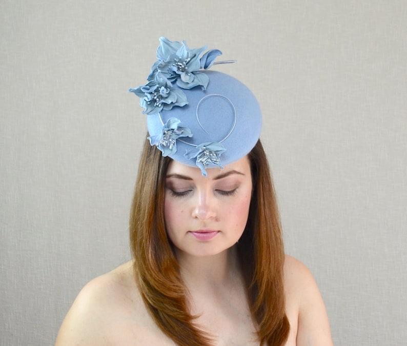 Kopfbedeckungen Für Damen Licht Rosa Hochzeit Hut Sinamay Fascinator Hut Für Spezielle Gelegenheit.