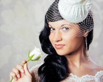 Ivory Bridal Pillbox Hat with Birdcage Veil  - White Bridal Fascinator with Veil - Cream Wedding Hat - Vintage Wedding - Couture Wedding hat