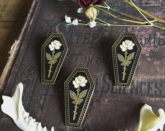 """Memento Mori - 1.5"""" collectible lapel pin - traditional rose"""