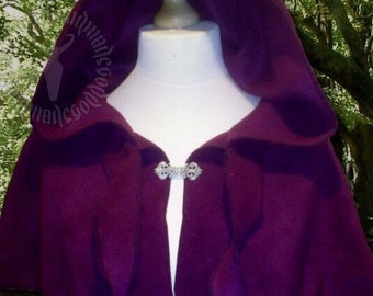 Tendril Capelet with pixie hood and clasp. Renaissance, LARP, Medieval, Elven, Woodland, Pixie