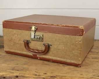 Vintage Two Tone Brown Luggage Suitcase Box, Hard Suitcase, Aged Worn Storage, Luggage Bag, Vintage Luggage, Single Latch, Old Rectangle Box