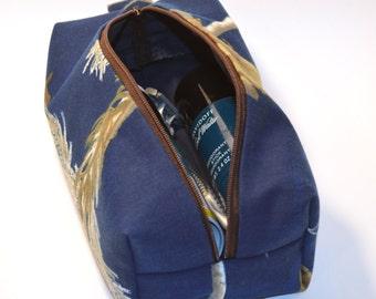 f6f6041a81 Camo toiletry bag
