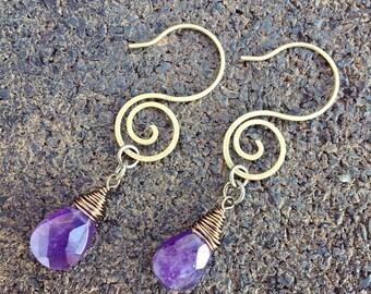 Brass earrings. Gemstone earrings. Amethyst. Boho jewelry. Gemstone jewelry. Drop earrings. Wire wrapped earrings. Briolettes.