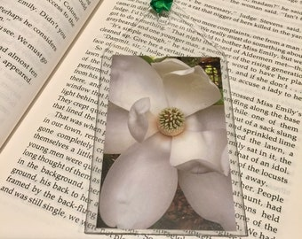 Magnolia Bookmark - Flora - Garden Lover Gift - Bibliophile - theRDBcollection