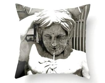 Triton Pillow