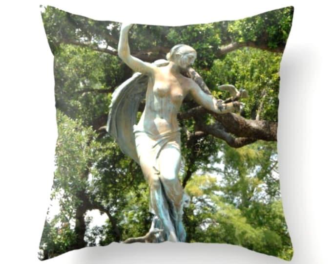Audubon Fountain Pillow