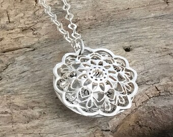 Sterling silver Mothers Locket necklace, Southwestern Lace design, Personalized with kids names, Christmas gift for Mother