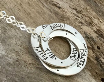 Sterling Silver Personalized Intertwined Circle Necklace, kid's names, Family Jewelry, Christmas Gift for Grandmother, Grandma Necklace