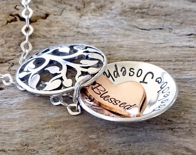 Locket Necklace, Sterling silver, Gift for her, Small Locket, Personalized Jewelry, Gift for Mom, Secret message or Names, Locket Pendant