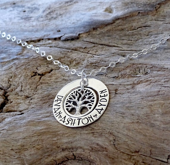 Family Tree, Family Necklace, Family Name, Family Tree Necklace, Personalized Necklace, Mom Necklace, Grandma Necklace, Tree Of Life