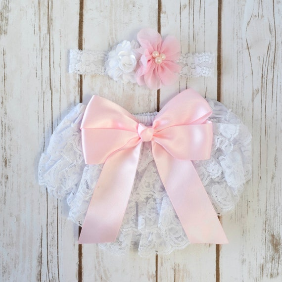 2112e7e04764 White and Pink Ruffled Bloomer and Headband, Cake Smash Outfit Girl, Baby  Girl Birthday Outfit, Newborn Girl Outfit, 1st Birthday Girl, Bows