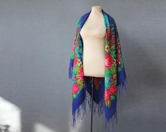 blue Russian shawl with green pink, oversized shawl with berries, shawl, feminine Pavlovo Posad shawl, botanical wool shawl