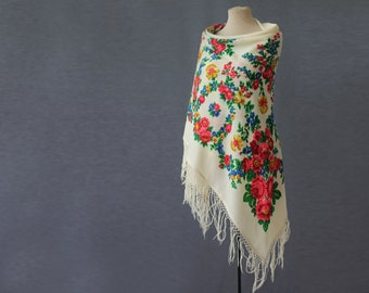 soft white Russian shawl, flower garlands, wool shawl with fringe, winter wedding shawl,  NWOT