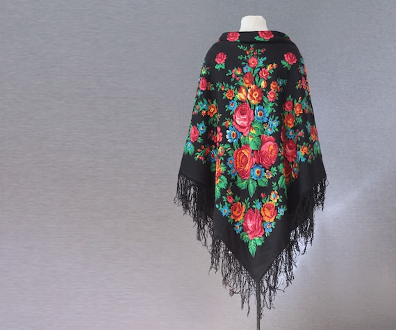 Russian shawl with roses and tulips, piano shawl,… - image 3