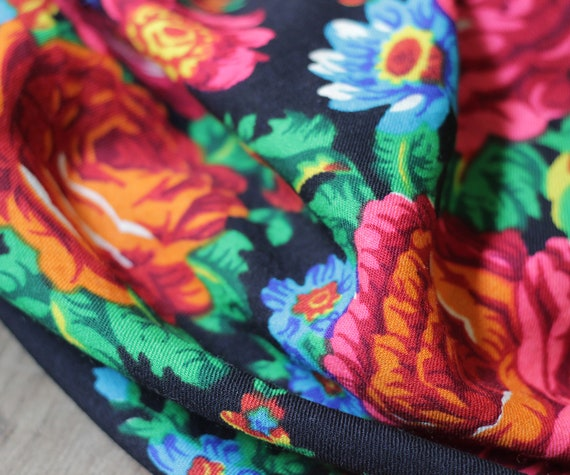 Russian shawl with roses and tulips, piano shawl,… - image 7