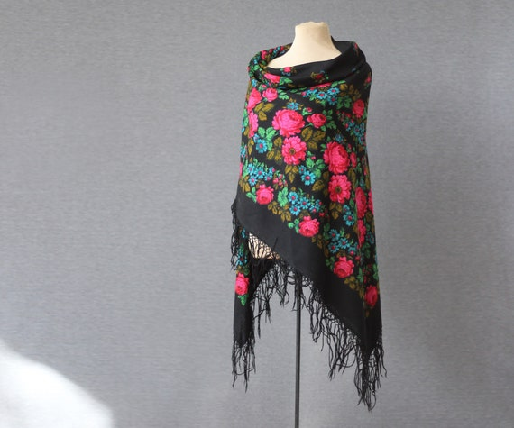 black Russian shawl with pink roses, floral piano