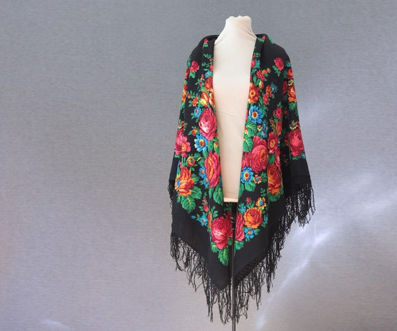 Russian shawl with roses and tulips, piano shawl,… - image 4