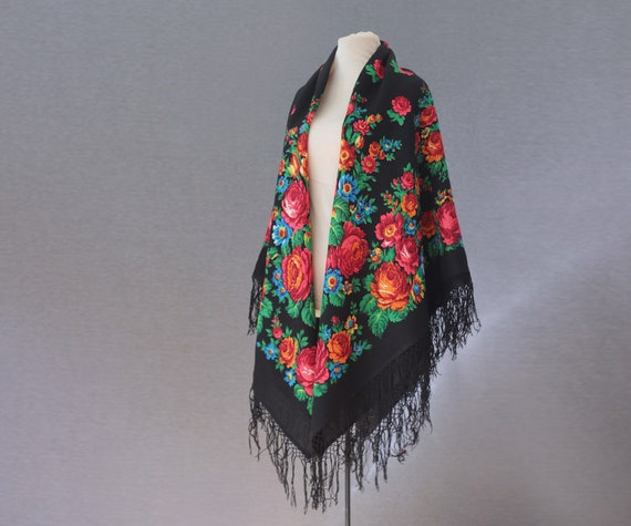 Russian shawl with roses and tulips, piano shawl,… - image 2