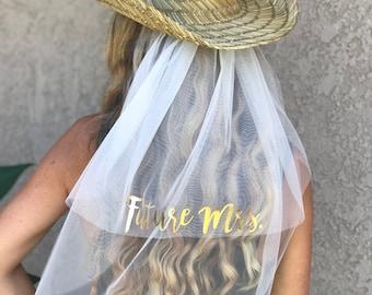 87375e50034 Cowgirl Hat Veil - Country Bride - Future Mrs. Veil - Wedding Veil - Cowboy  Hat Veil - Party Veil - Bride Veil - Bachelorette Gift