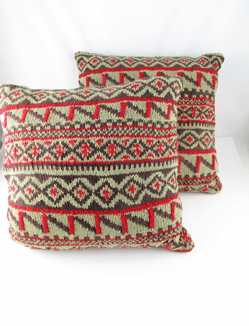 how to use decorative pillows re use two knit throw pillows  dakotah knits  etsy how to use throw pillows on a bed knit throw pillows  dakotah knits