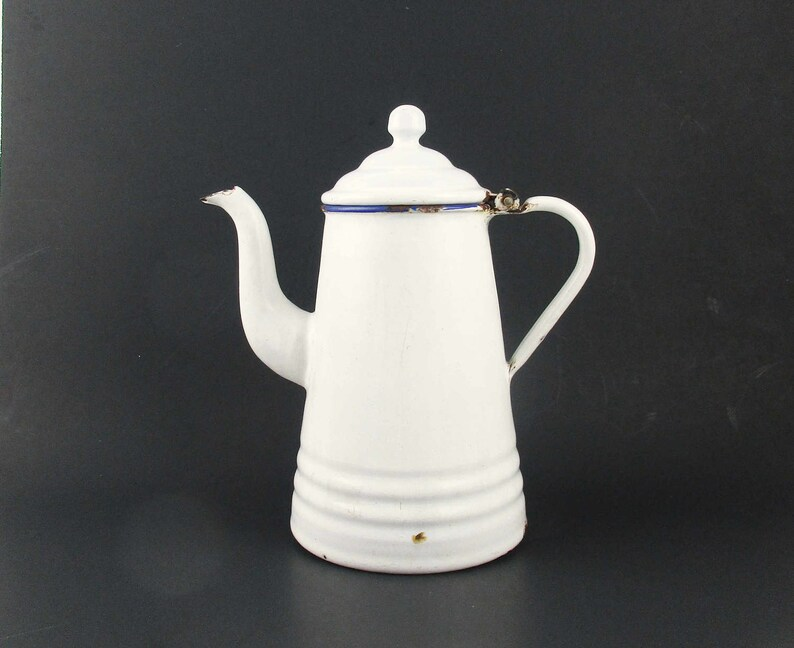 New Primitive Retro Vintage Antique Style Enamel Red White COFFEE POT Kettle