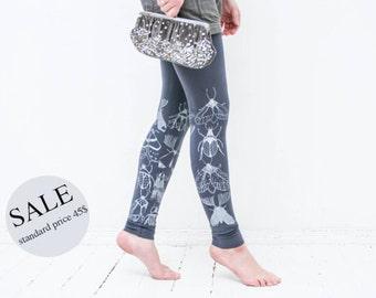 20% SALE - Fog bugs: asphalt gray  leggings with white bug print