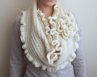 Crochet pattern infinity circle scarf oversized flower, capelet shrug bride, wedding scarf, Photo tutorial, Quick and easy gift