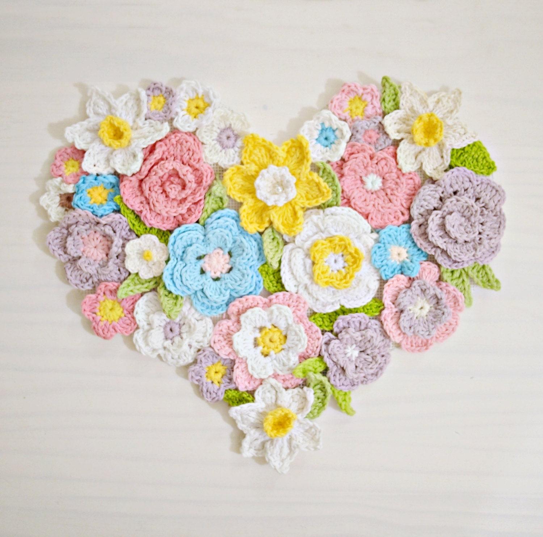 Crochet pattern flower heart wall decor etsy - Decoration au crochet ...