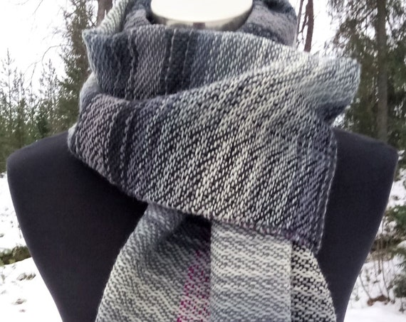 Handwoven Kaamos- scarf, wool