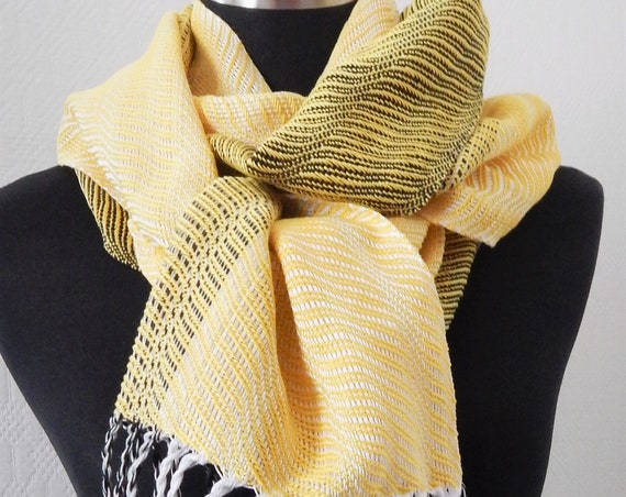 """Hand woven """"Waves""""- Scarf"""