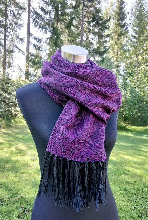 "Hand woven ""Stars""- Scarf, plum or petrol"