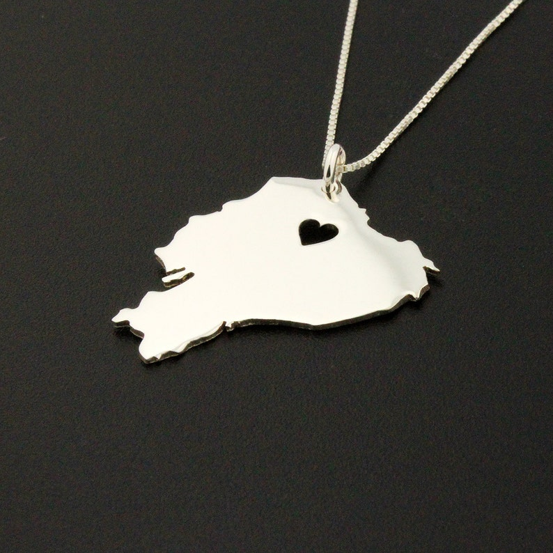 Ecuador necklace Bright satin finish sterling silver Ecuador image 0