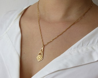 Gold necklace,14k gold filled, flower necklace, flower pendant, delicate necklace, everyday necklace