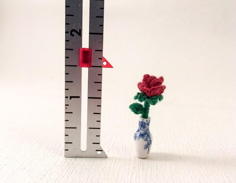 Little Flower Bulb Vase - Crochet Pattern | 615x794