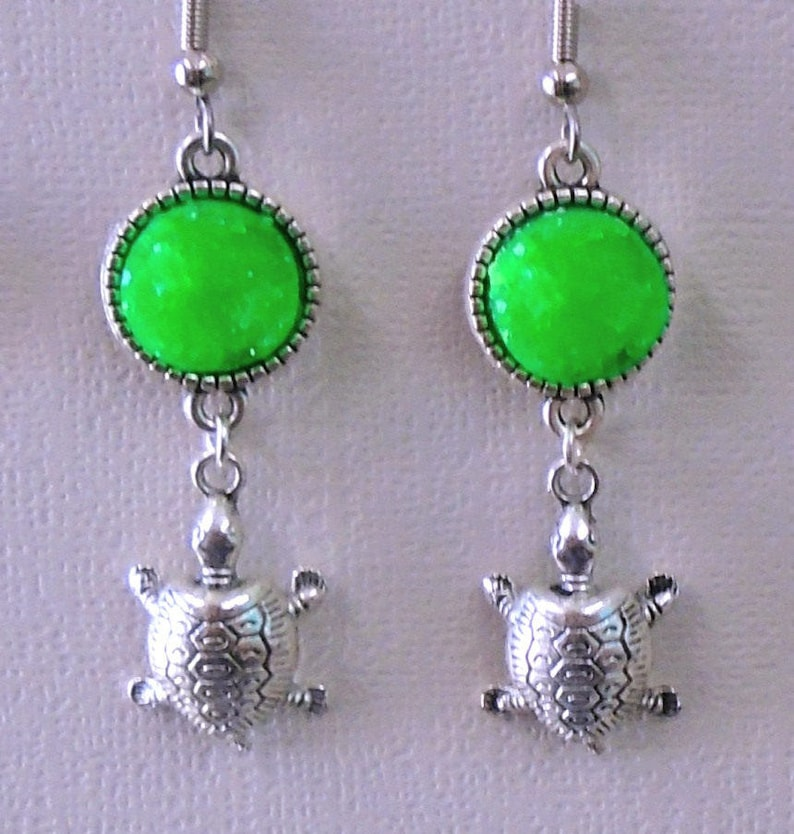 Turtle Charm & Lime Green 12mm Cabochon Earring Set Fish image 0