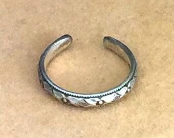 Geometric  Diamond Pattern Toe Ring - Sterling Silver - Adjustable Toe Ring - Knuckle Ring - Beach Jewelry - Summer Jewelry - Toe Jewelry