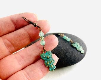 Owl dangle earrings, green aventurine, gypsy style, bohemian style, owl jewelry, green earrings, dangle earrings, witches owl