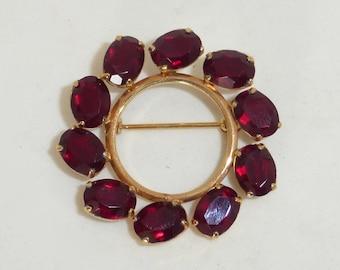 Vintage 1950's Van Dell 12K Gold Filled Red Garnet Faceted Glass Oval Gem Open Circle/Wreath Pin