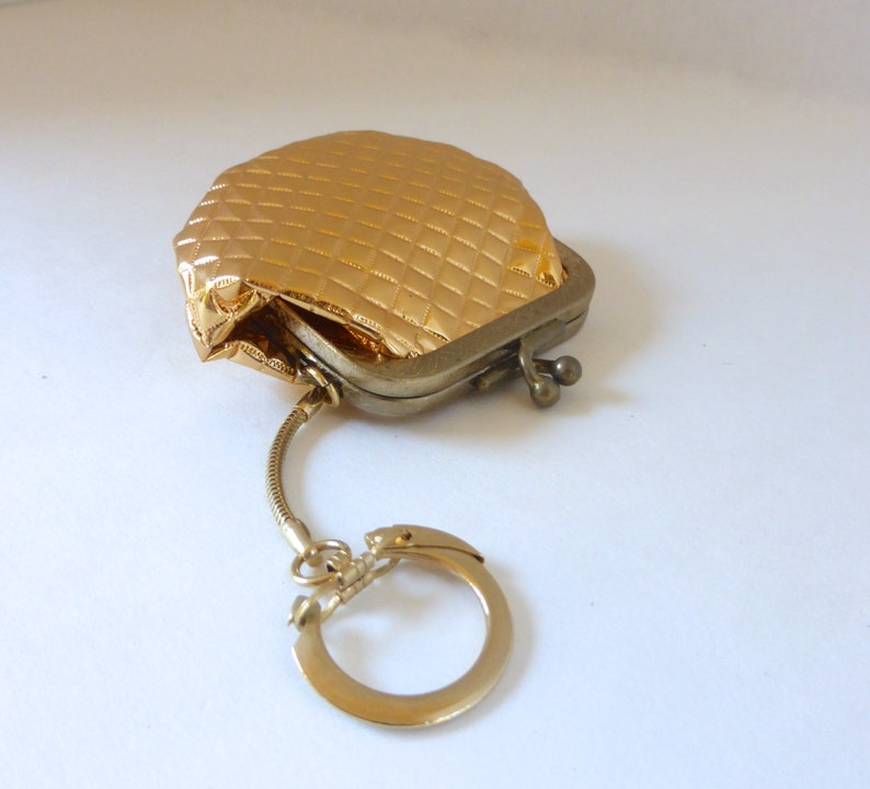 Vintage 1960/'s Gold Quilted Change Purse Pouch Keychain with Kiss Clasp in Original Round Box