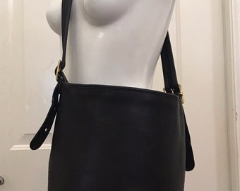 acbc732cd343 Vintage Coach Black Bucket Bag XLG Duffle Sac Shopper Tote Shoulder Handbag  USA