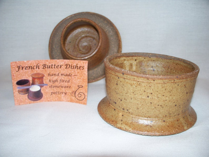 French Butter Dish Sandstone Brown image 0