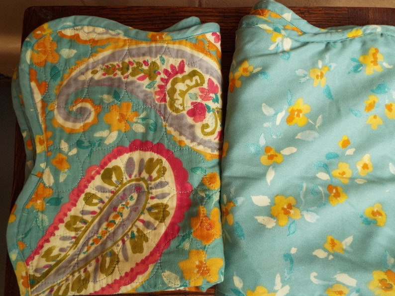 J Queen New York Persnickety Paisley Aqua Sham Quilted Green Floral Pillowcases Standard Scalloped