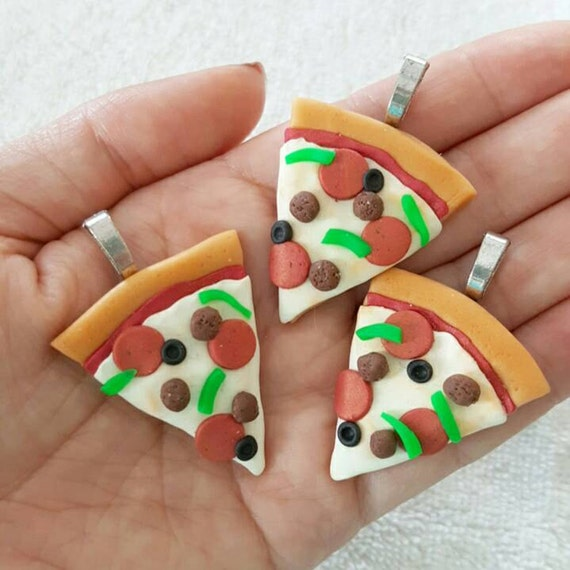 Pizza Charm, Junk Food Polymer Clay Pendant, Food, Miniature Food Charm, DS Charm, polymer clay, clay pendant, Kawaii, Chibi, Clay Charm