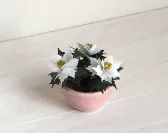 Dollhouse Flowers - White 'mini' Poinsettias in small pink ceramic bowl - 1:12 scale Miniature (GF121)